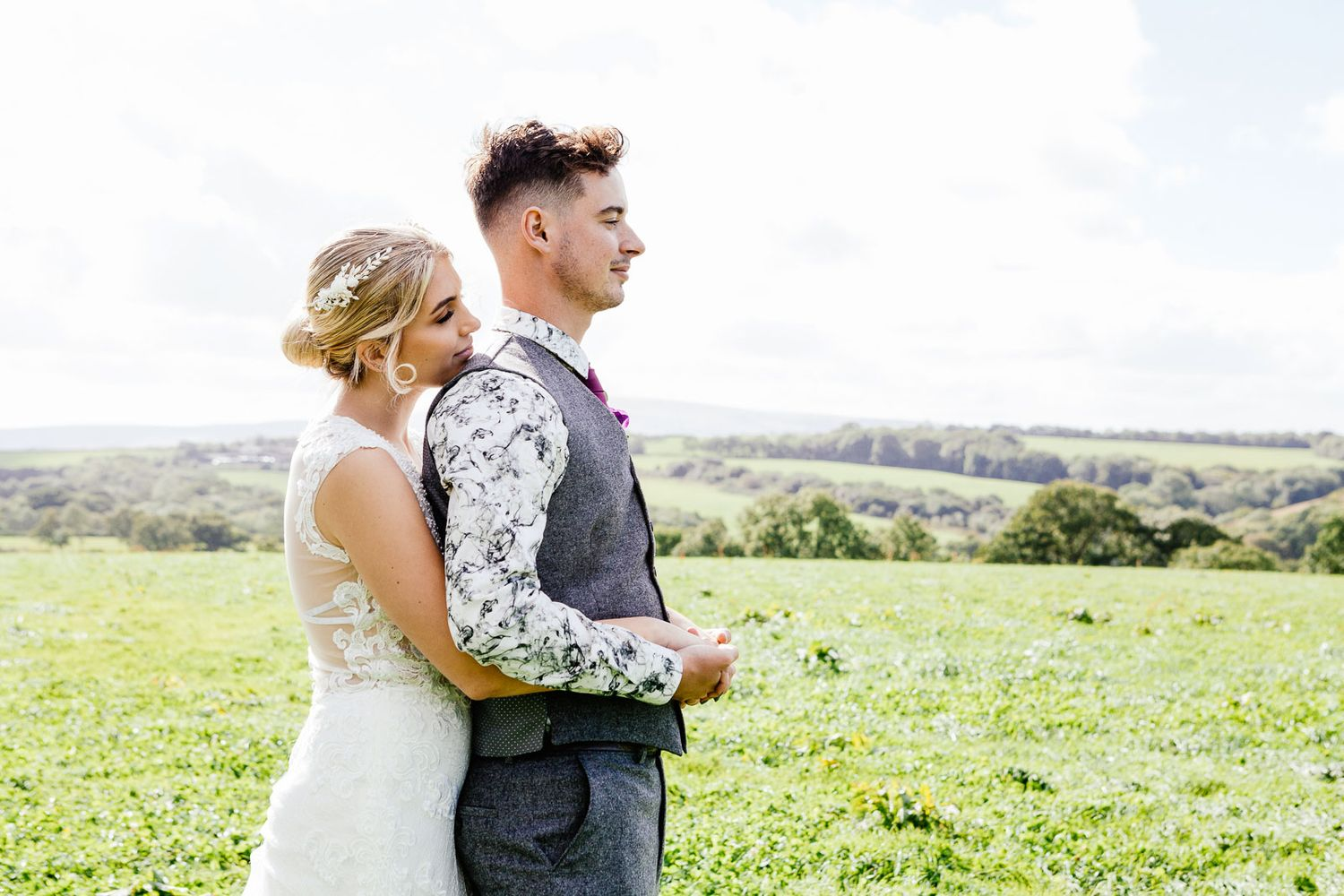 couple portrait in the rolling hills of Devon
