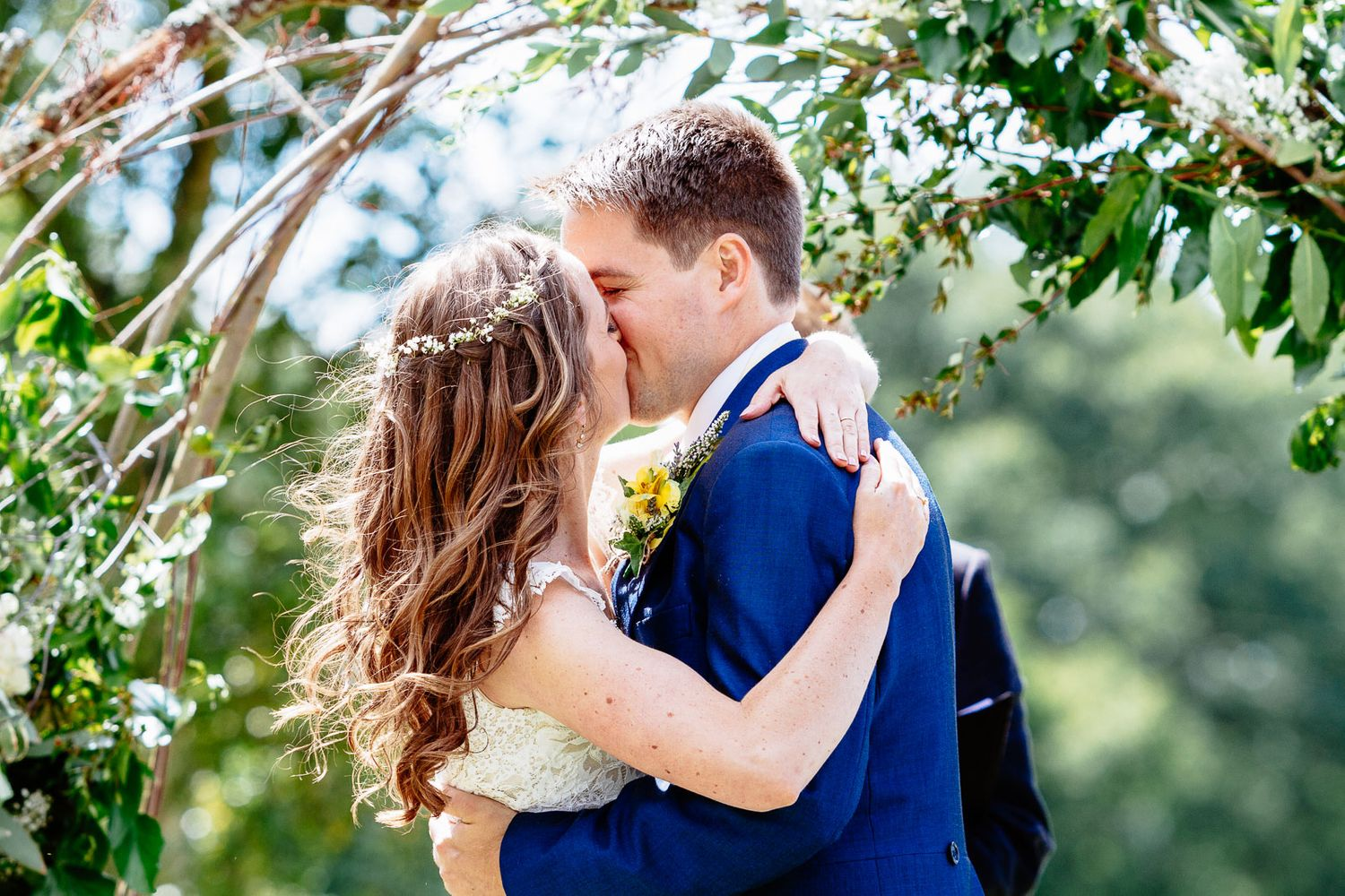 first kiss by Exeter wedding photographer Elizabeth Armitage