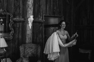 bride getting ready in Oka