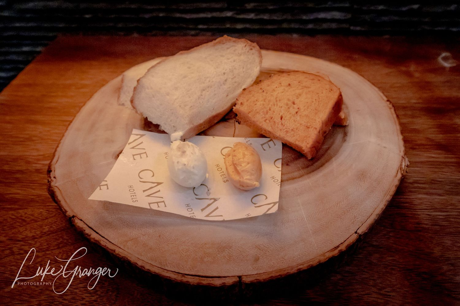 bread board at the fire pit restaurant at the cave hotel