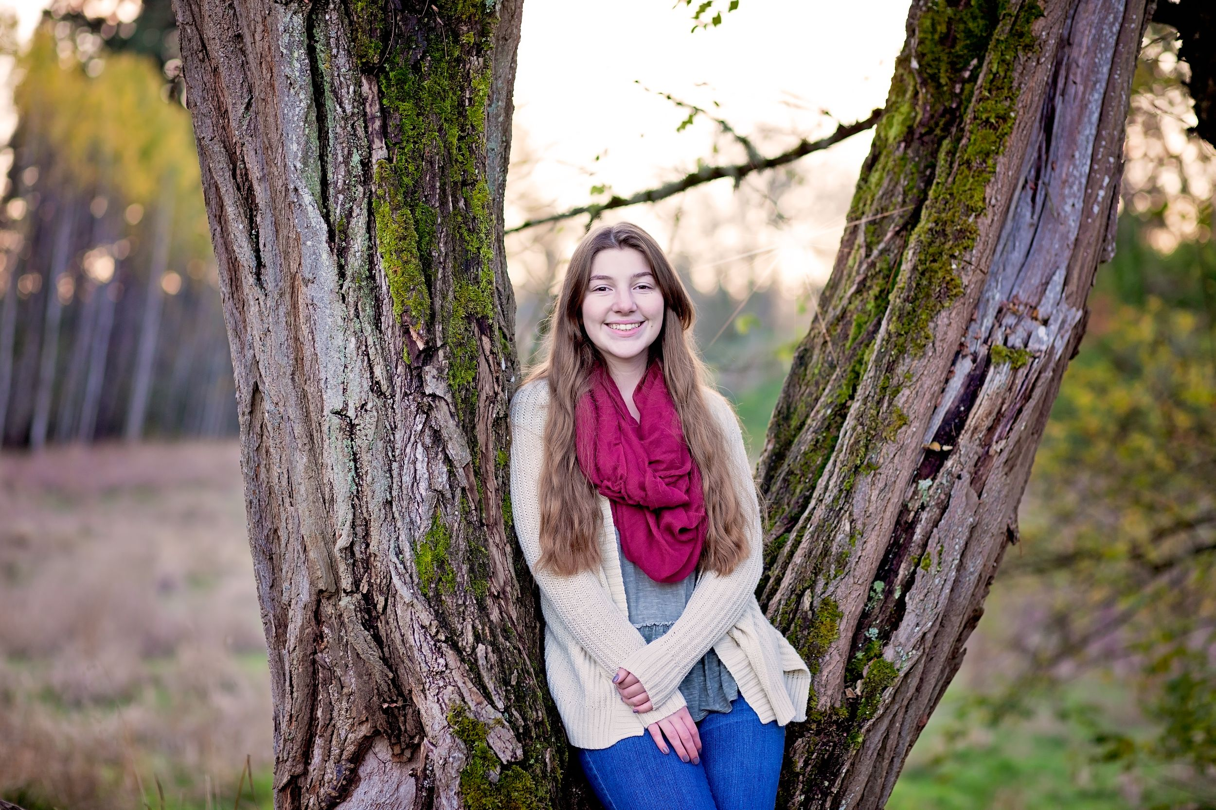 Senior session in steilacoom park at sunrise
