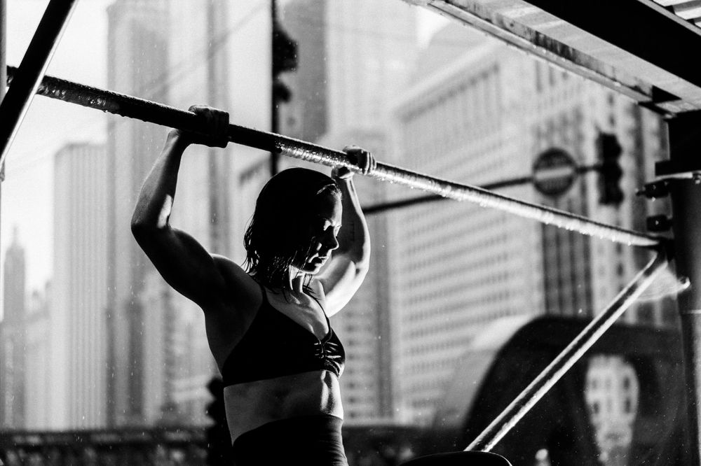 fitness photoshoot in chicago black and white