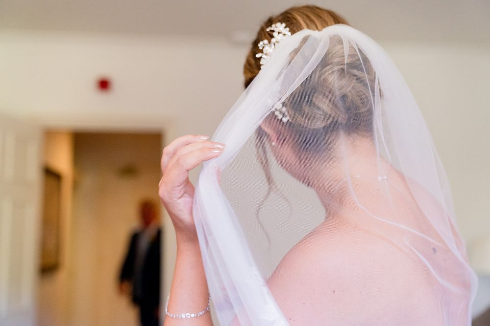 wedding hair and veil detail
