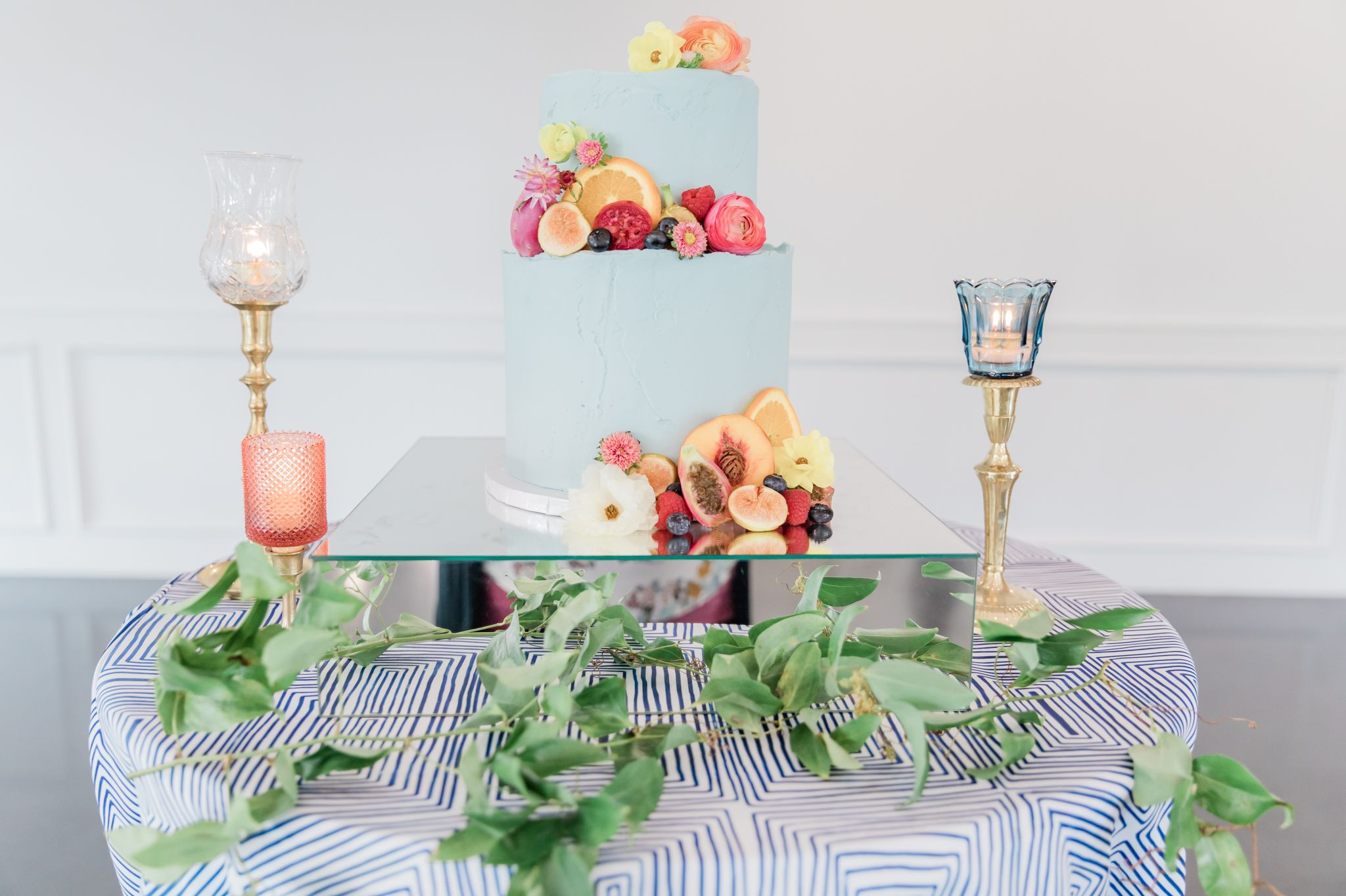 cake-decor-floral-fruit-wedding-weatherford