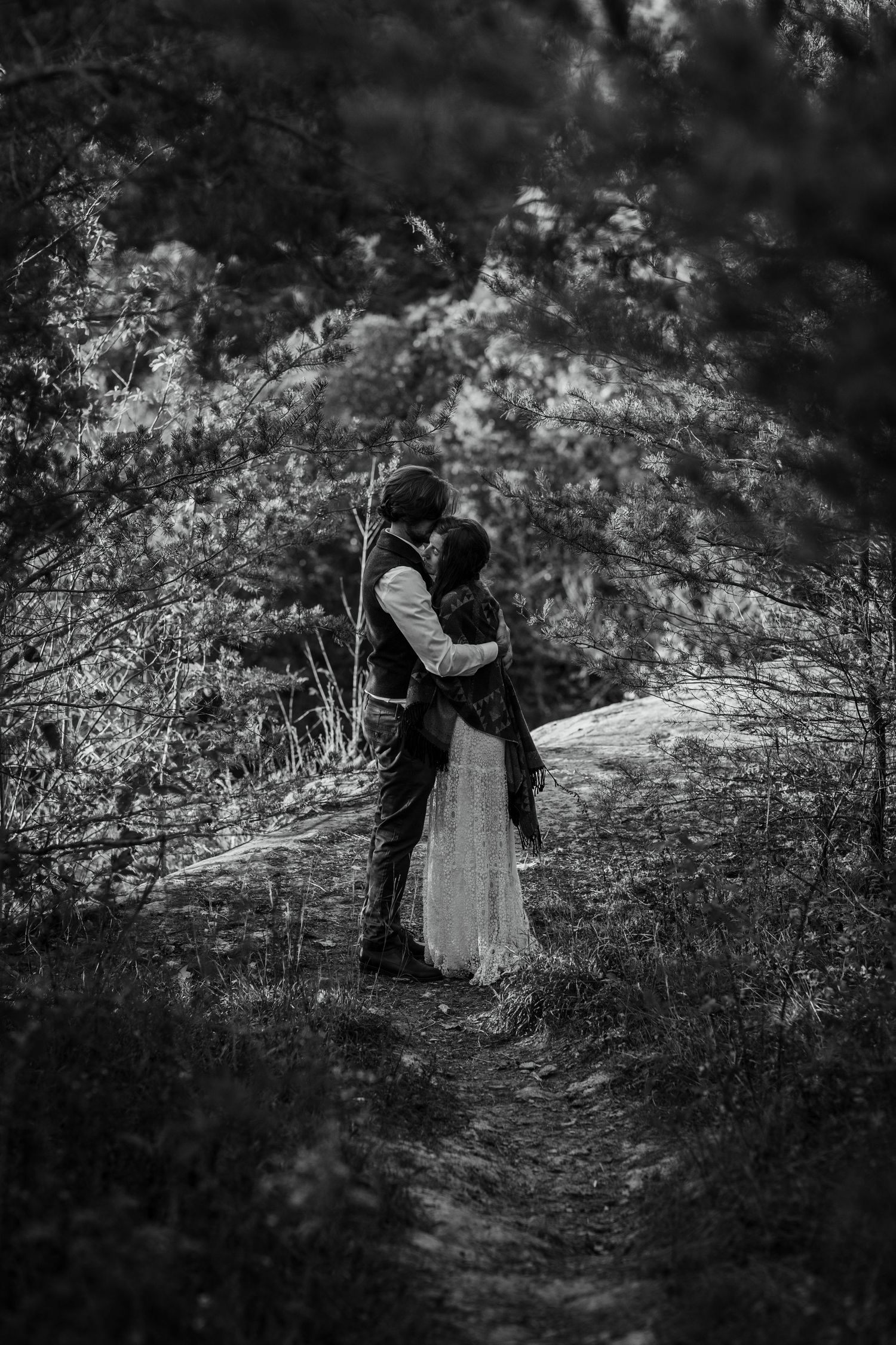 Moody wedding photography Lexington central KY Kentucky unique engagement session couples Red River Gorge