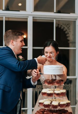 Hunter Valley Voco Kirkton Wedding cake cutting reception
