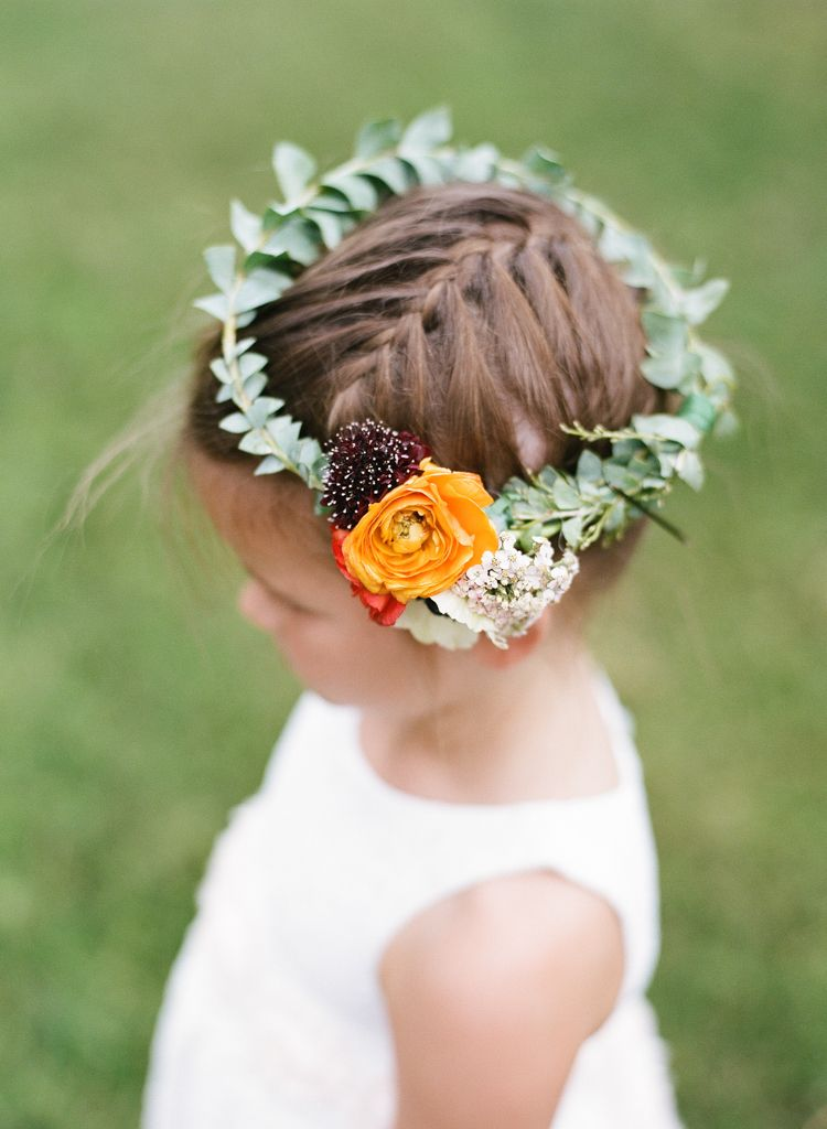 Oklahoma wedding photographer Aaron Snow Photography Springs Events flower girl flowers crown