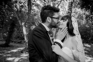 Italian destination wedding photographer black and white, beautiful couple portrait